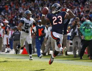 Bears-Hester-returns-punt-for-touchdown-against-Seahawks-in-Chicago